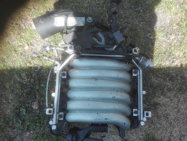 Silnik Kolktor ssący,przepustnica audi a4-a6- 2.4- 2.8v6 193km.