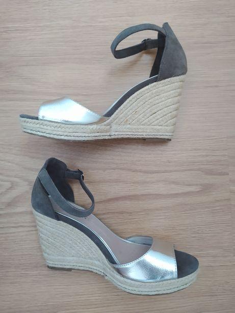 Sandálias tamanho 40 Oysho
