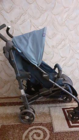 Продам прогулочную коляску фирмы Chicco