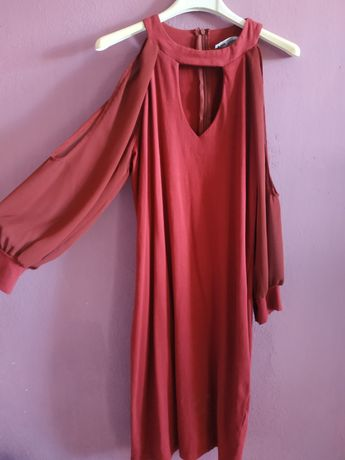 Seksowna bordowa sukienka