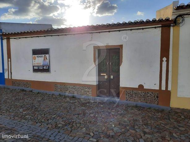 Moradia Unifamiliar T4 com Quintal, Faro do Alentejo, Alentejo