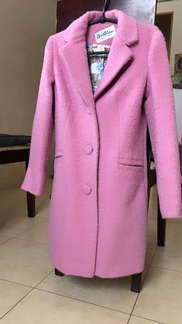 Продам пальто девочка 9-11 лет