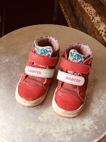 Продам детскую обувь  для девочки Италия