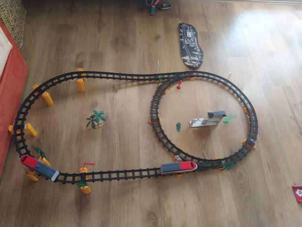 Tor z pociągiem