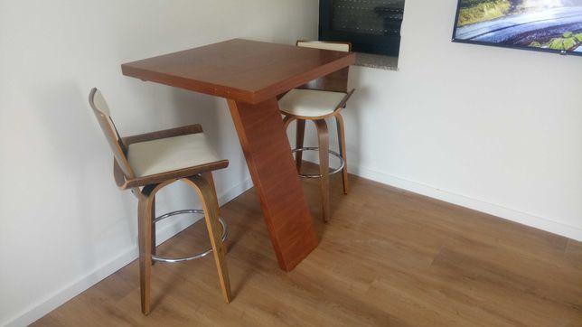 Mesa Cozinha  & Cadeiras