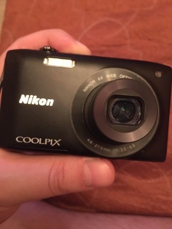 Nikon Coolpix S3300 б/у в отличном состояние !