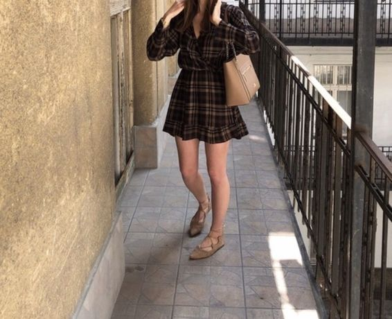 ZARA XS S sukienka w kratke falbanki kratka