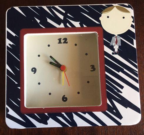 Relógio para quarto infantil