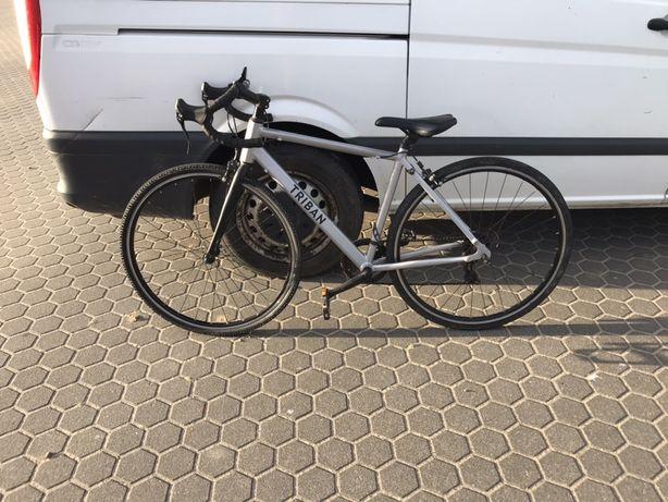 Велосипед шосейний TRIBAN RC 100