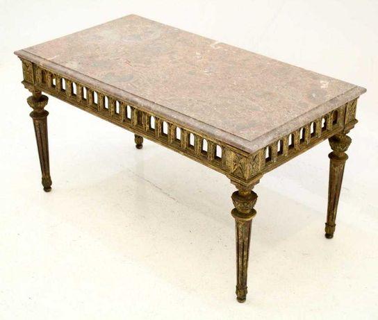 Mesa de centro em madeira estilo Luís XVI