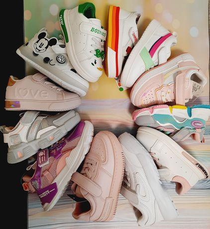 Кроссовки,кеды,туфельки для детей в наличии по низким ценам
