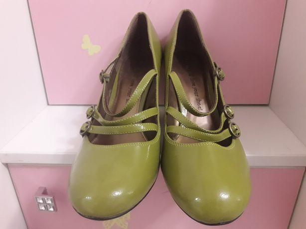 Туфли 41-42 размер новые