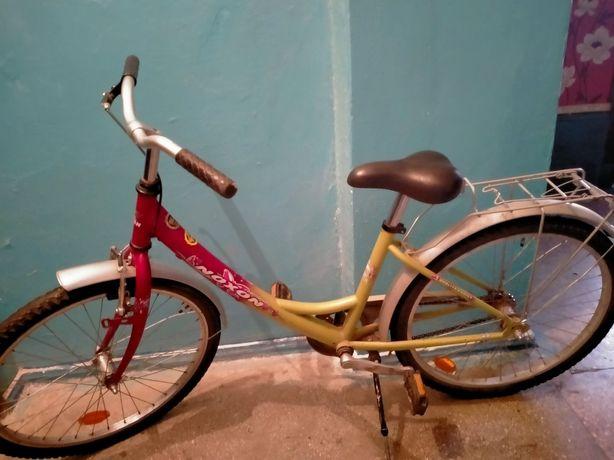 Велосипед 2000 грн підлітковий, дівчачий.