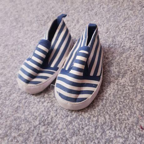 Детская обувь, фирменная, от самого маленького до 22 размера