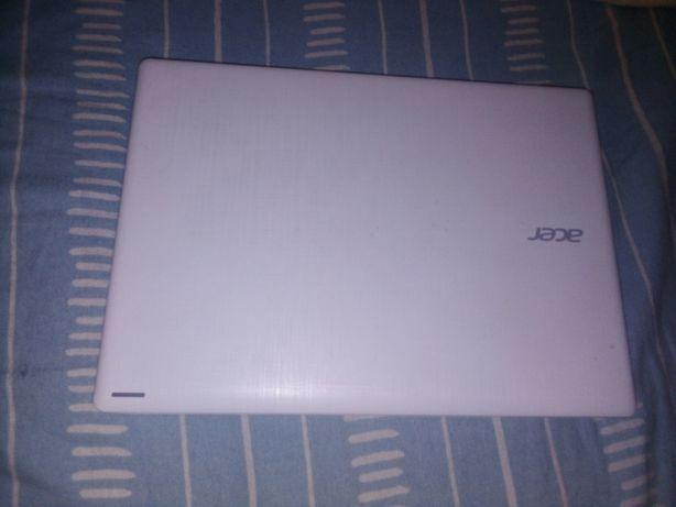 Vendo ou troco por telemóvel, computador Acer