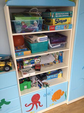 Regał na zabawki i książki do pokoju dziecięcego