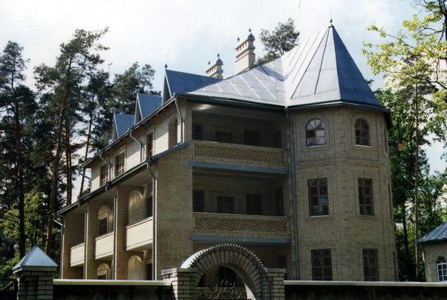 Аренда большего дома в Буче с тремя раздельными этажами
