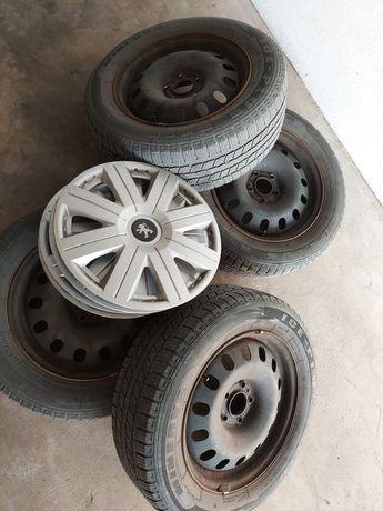 Opony zima 16' Peugeot na stalówkach rozstaw 5x108