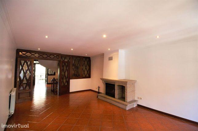 Apartamento T3+1 Triplex no Centro Histórico de Braga