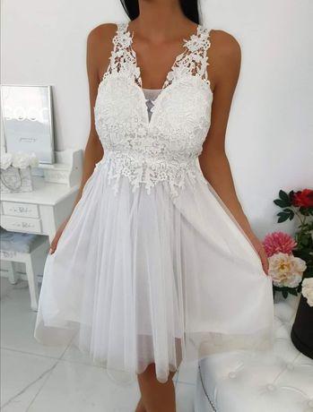 Biała suknia Lara