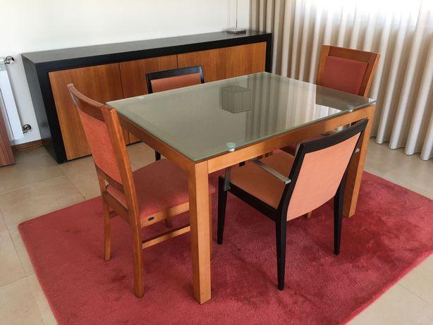 Mesa jantar e cadeiras