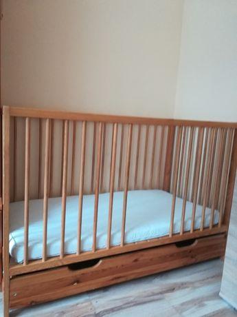 Łóżeczko drewniane