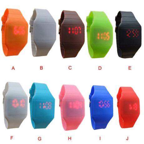 Fantásticos Relógios LED, Novos, Super Modernos e Super Baratos