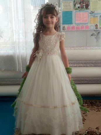 Продам платье выпускное бальное122-128 рост