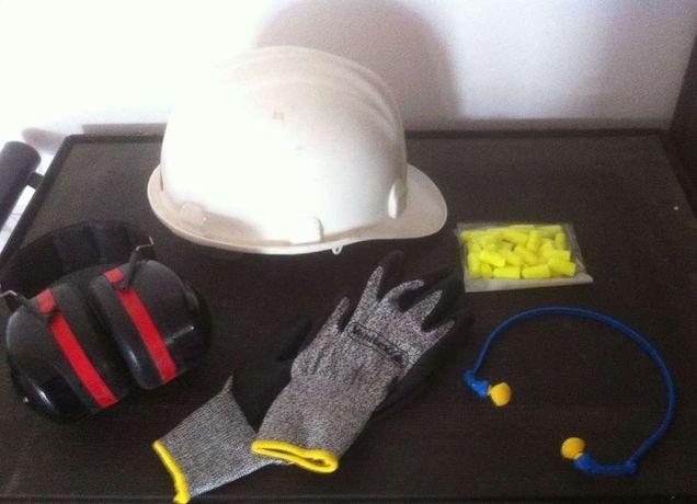 conjunto de higiene e segurança no trabalho industria