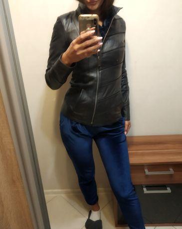 Шкіряна куртка ,стан нової,темно синя