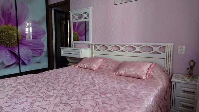 Сдам почасово, посуточно квартиру с дизайнерским ремонтом по Киевской