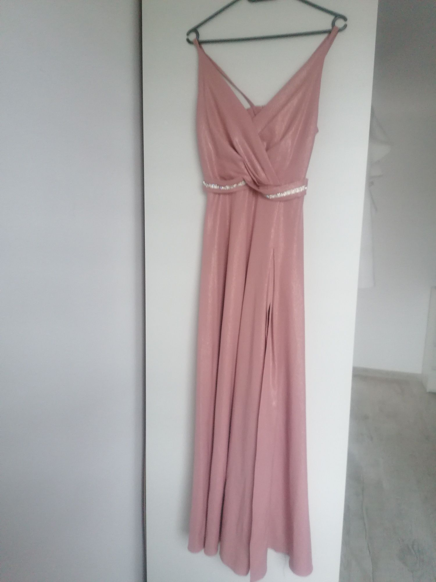 Sukienka maxi róż.