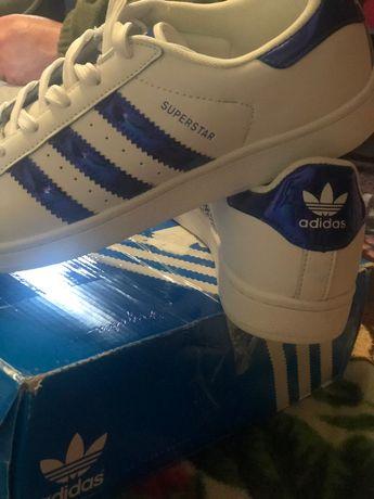 Кроссовки. Adidas Superstar