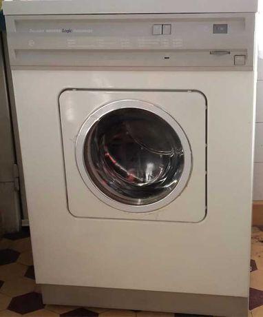 Máquina de secar roupa Hoover Logic Autosense com muito pouco uso