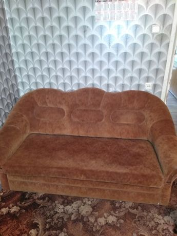 Продам велюровый диван-кровать
