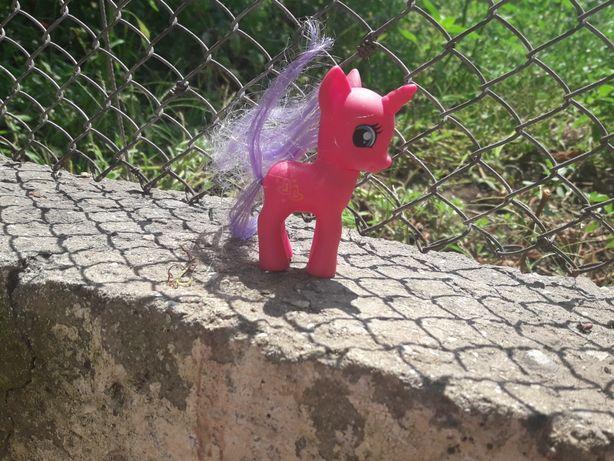 Продам игрушку пони.