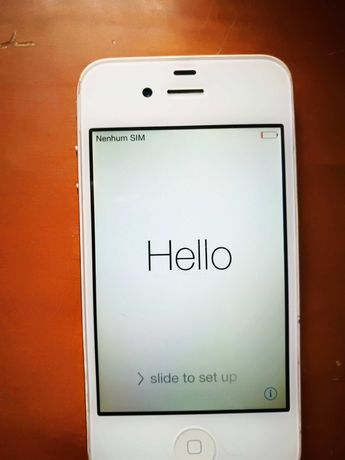 Smartphone Apple iPhone 4s 32GB Branco(Desbloqueado) + Docking Station