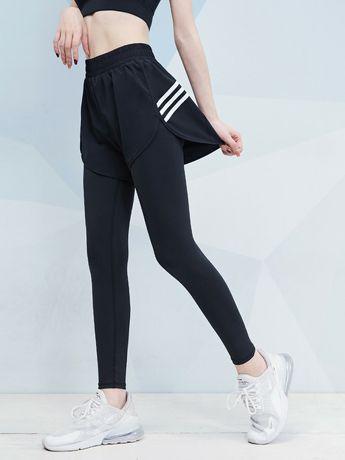 Жіночі спортивні шорти у комбінації з лосинами (зшиті разом)