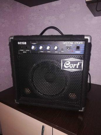 Комбоусилитель для бас-гитары