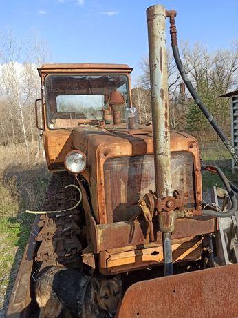 Трактор  гусеничный ДТ 75 есть и на розборку