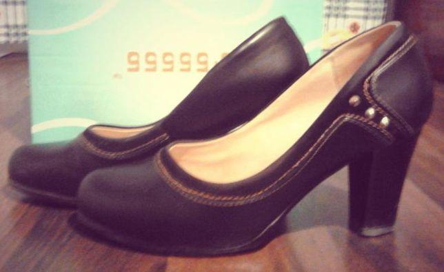 Туфли на небольшом устойчивом каблуку