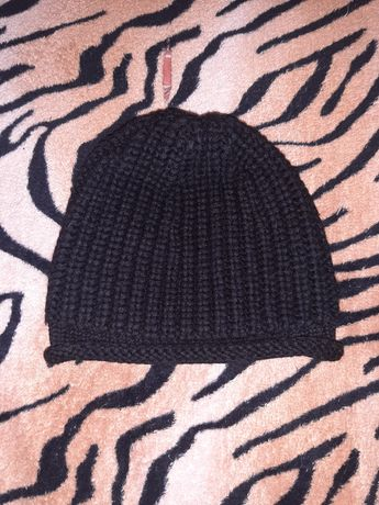 Продам тёплую вязаную шапку