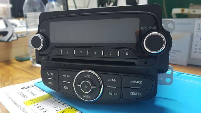 Auto radio opel corsa E