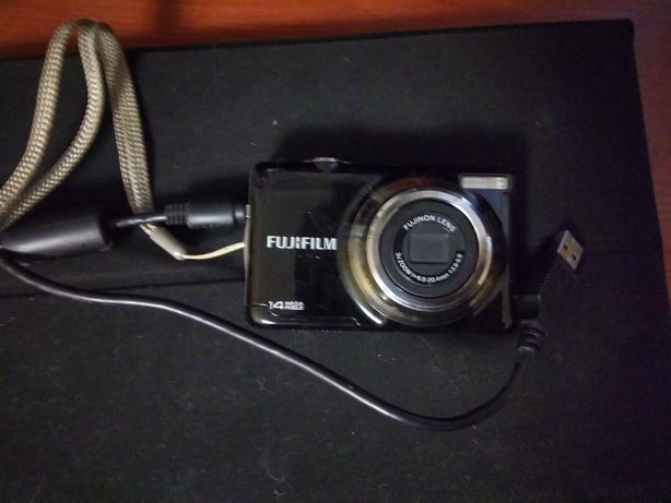 Цифровой фотоаппарат Fujifilm JV300 14 МП РАБОЧИЙ
