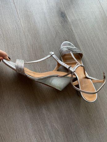 Sandałki Kazar