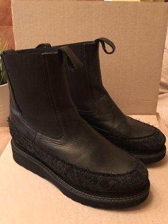 Жіноче взуття, ботінки