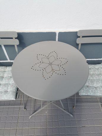 Mesa redonda + cadeiras exterior
