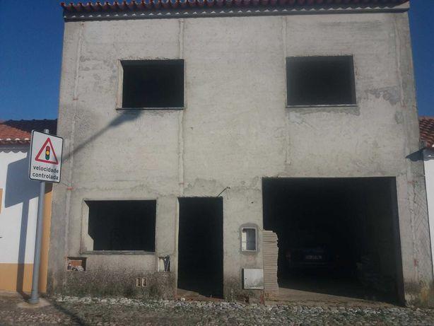 Moradia T2 em construção  - necessita de acabamentos