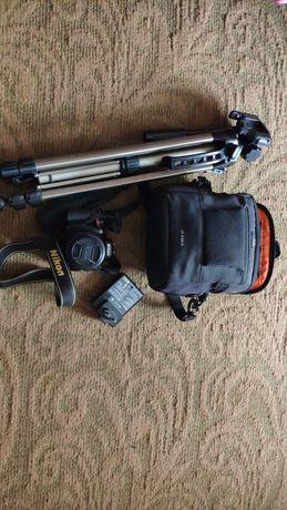 Зеркальный фотоаппарат Nikon D5100 kit (18-55mm VR) , Штатив, сумка