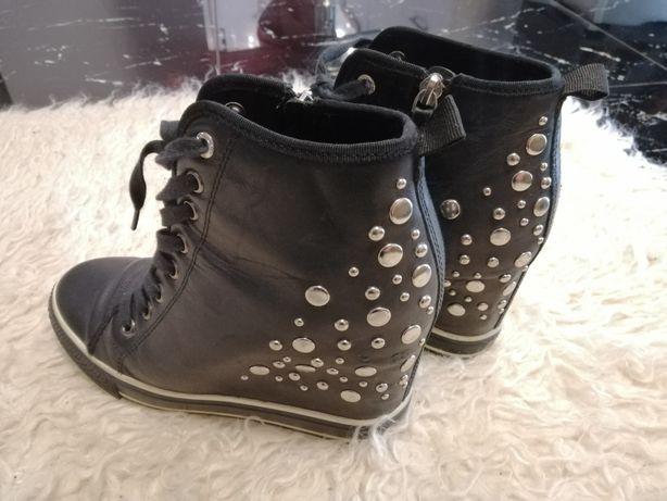 """""""Сникерсы"""" DKNY женские ботинки пр-во Америка"""